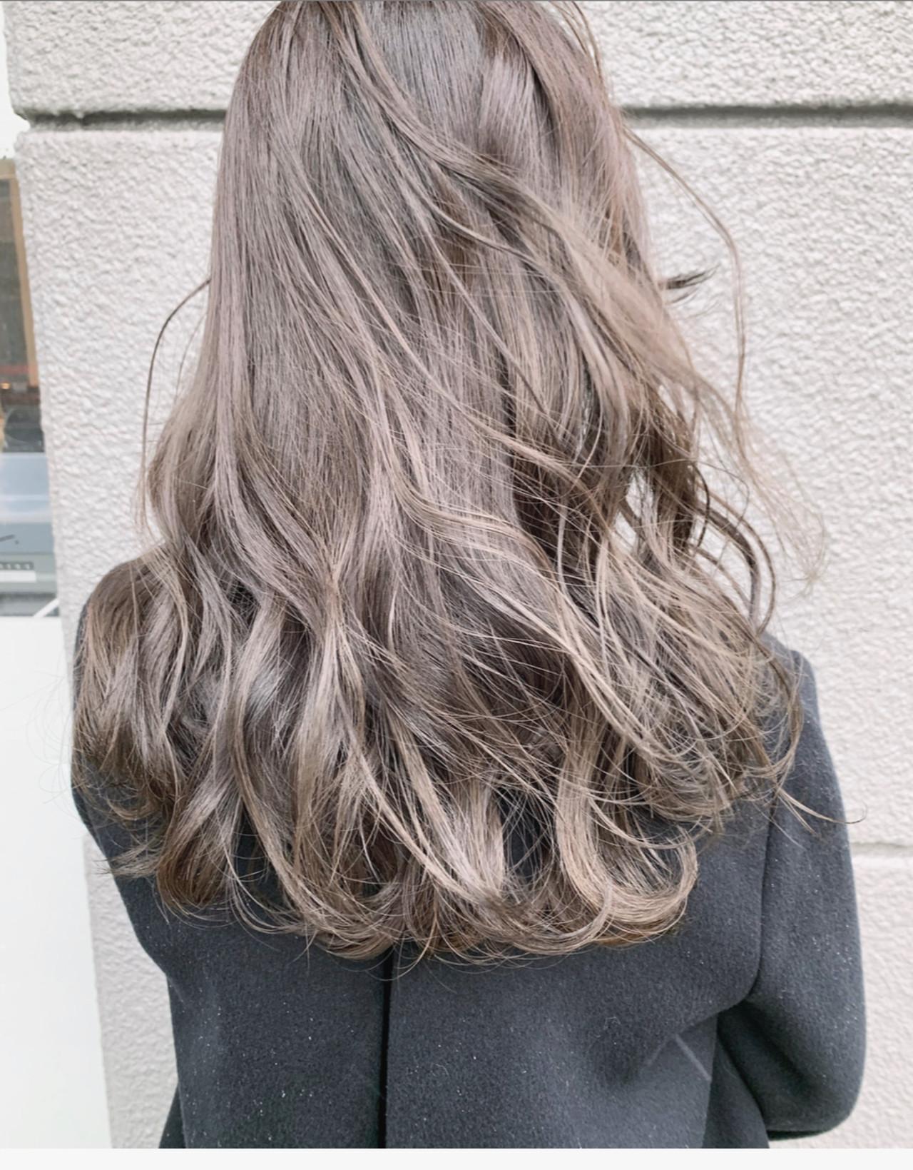 透明感カラー アッシュグレージュ ミルクティーベージュ セミロング ヘアスタイルや髪型の写真・画像 | 中村明俊 / AUBE hair