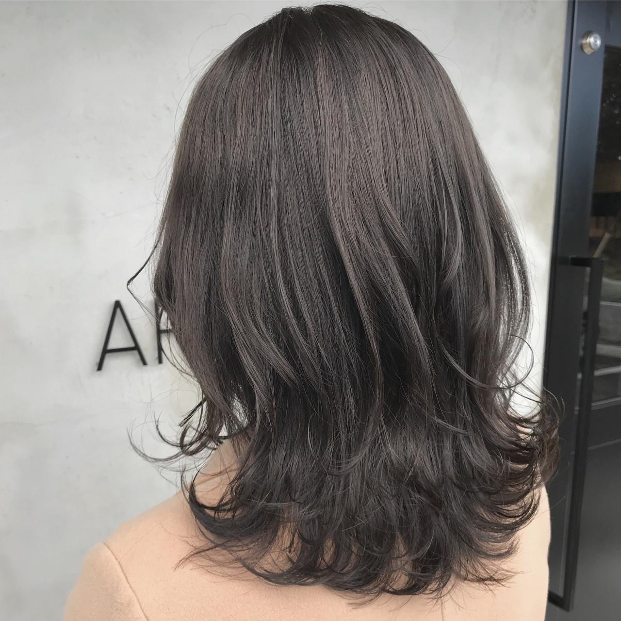 コンサバ 外国人風カラー セミロング グレージュ ヘアスタイルや髪型の写真・画像