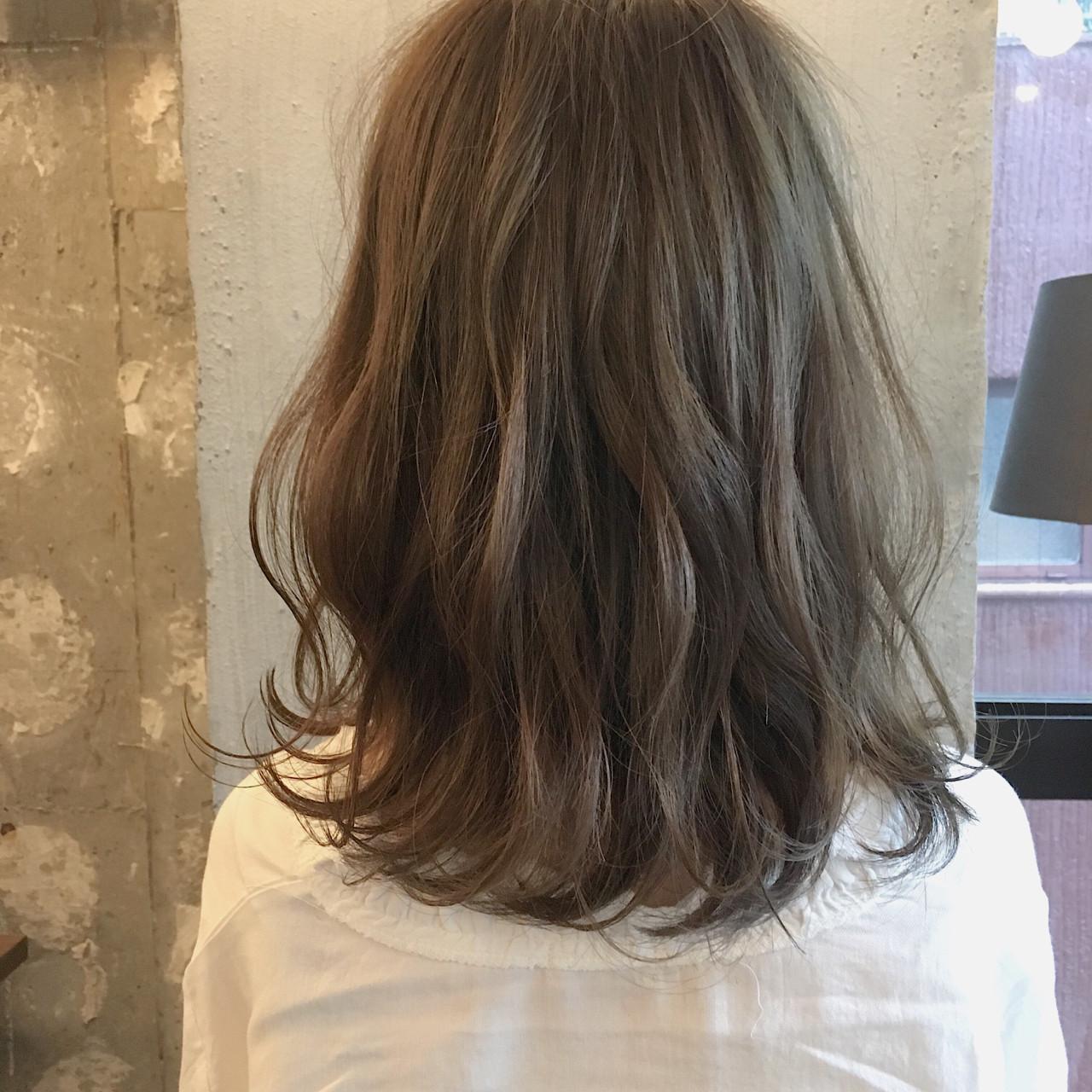 ナチュラル 透明感 オフィス 女子会 ヘアスタイルや髪型の写真・画像 | 冨永 真太郎 / 人トナリ
