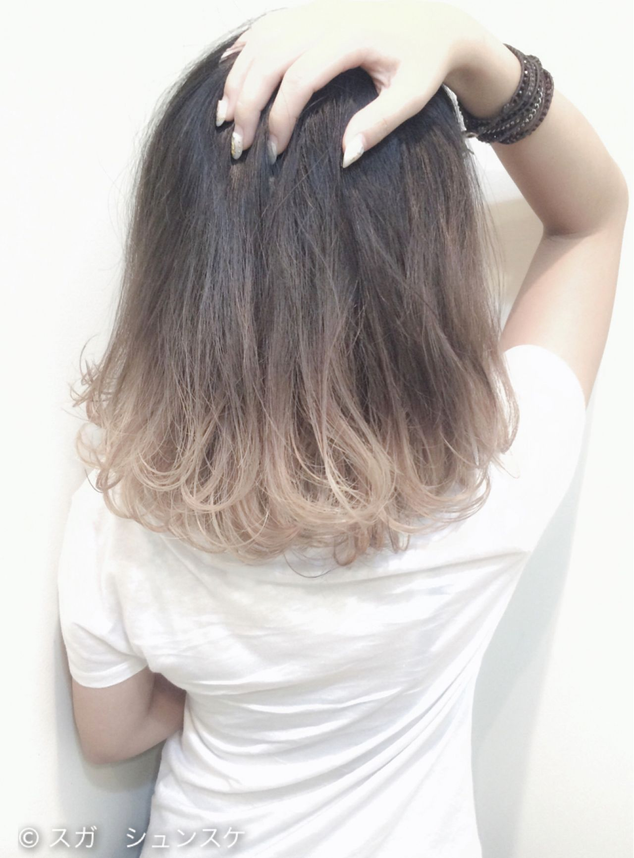 外国人風 ミディアム アッシュ グラデーションカラー ヘアスタイルや髪型の写真・画像