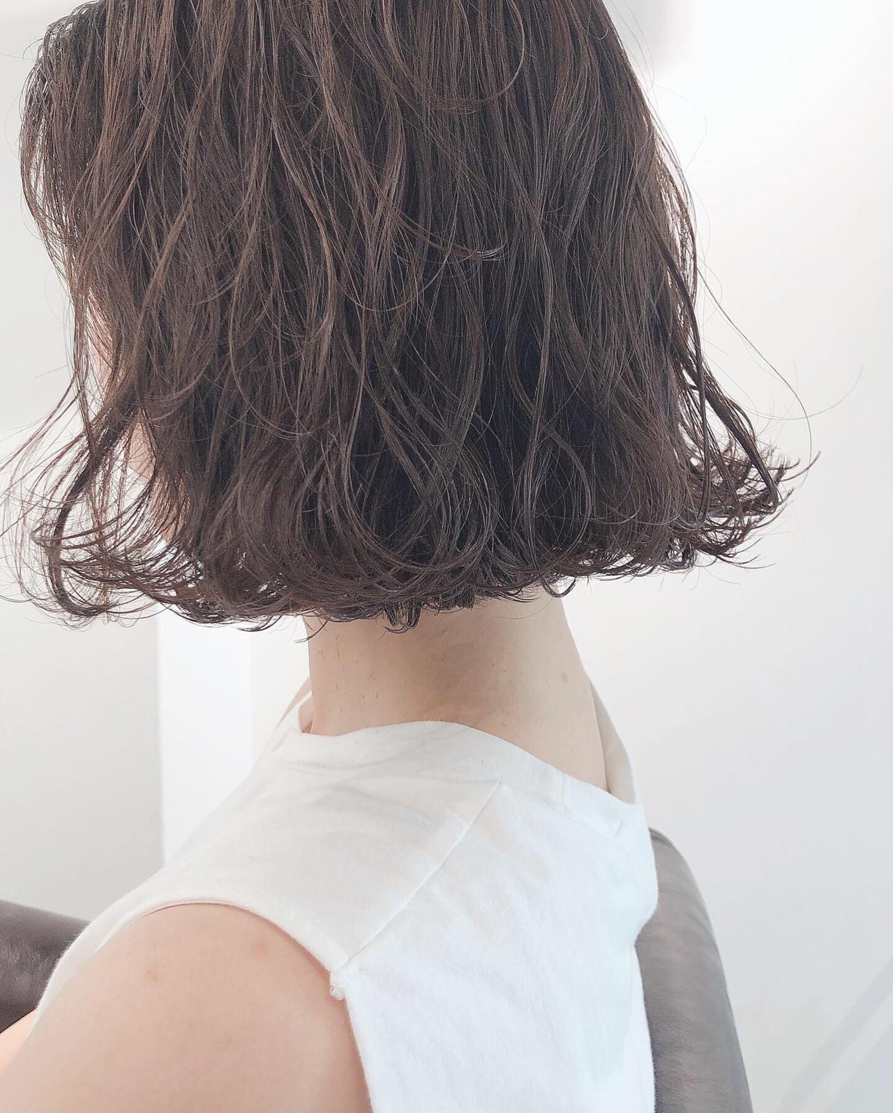 簡単ヘアアレンジ ボブ ミルクティーベージュ 外ハネボブ ヘアスタイルや髪型の写真・画像