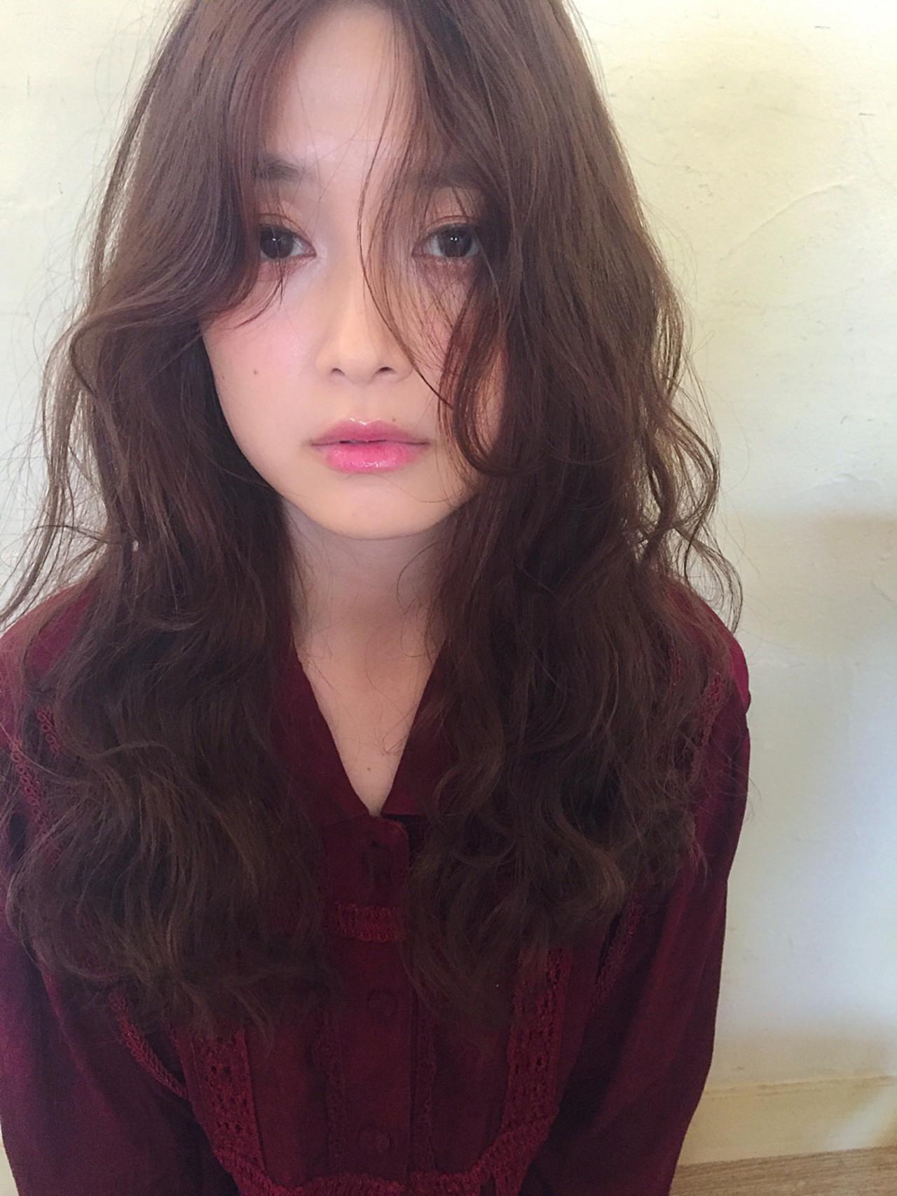 大人かわいい ロング 外ハネ デート ヘアスタイルや髪型の写真・画像 | Mirai / Lilou
