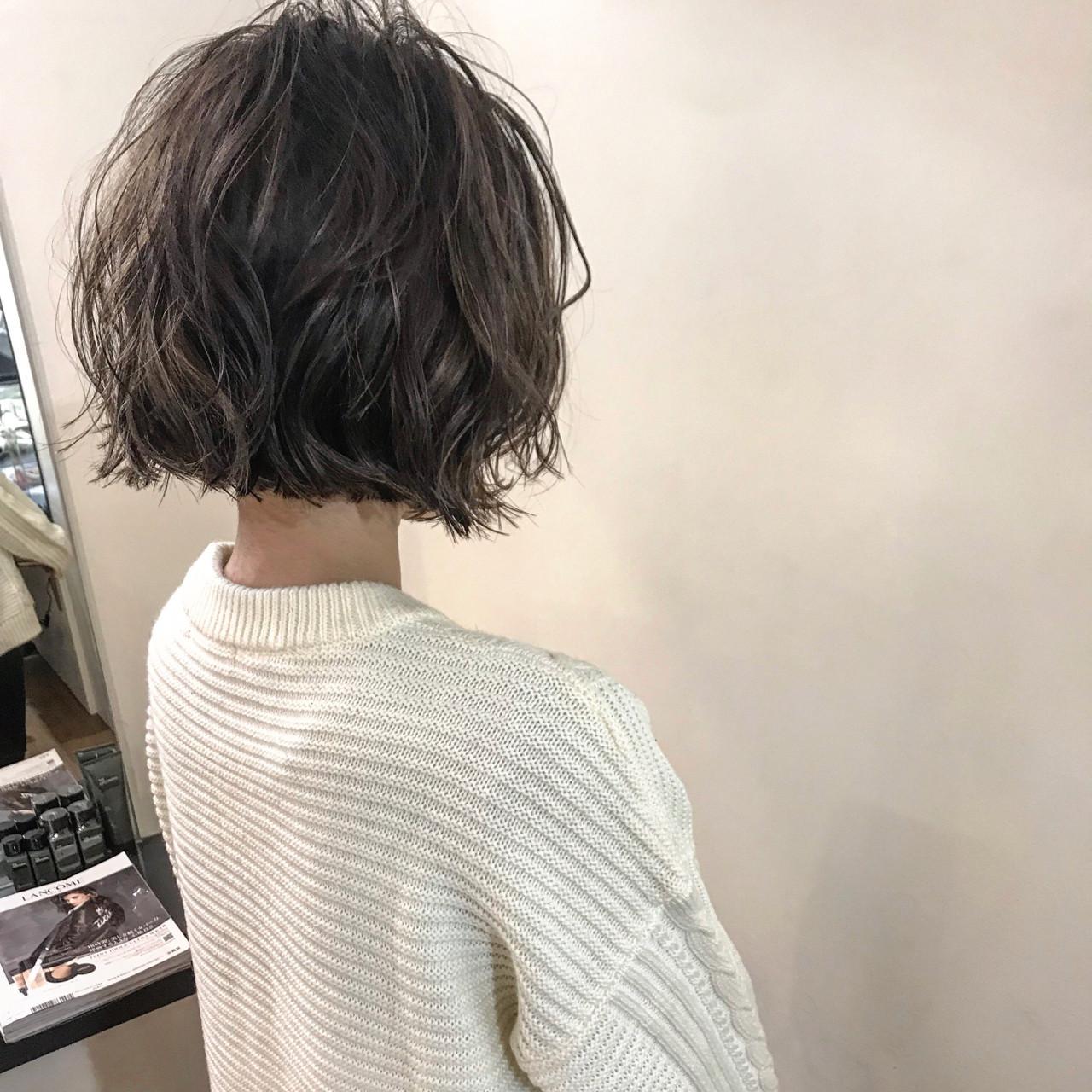 ゆるふわ ウェーブ アンニュイほつれヘア ボブ ヘアスタイルや髪型の写真・画像 | yumiko/sapporoSKNOW / SKNOW