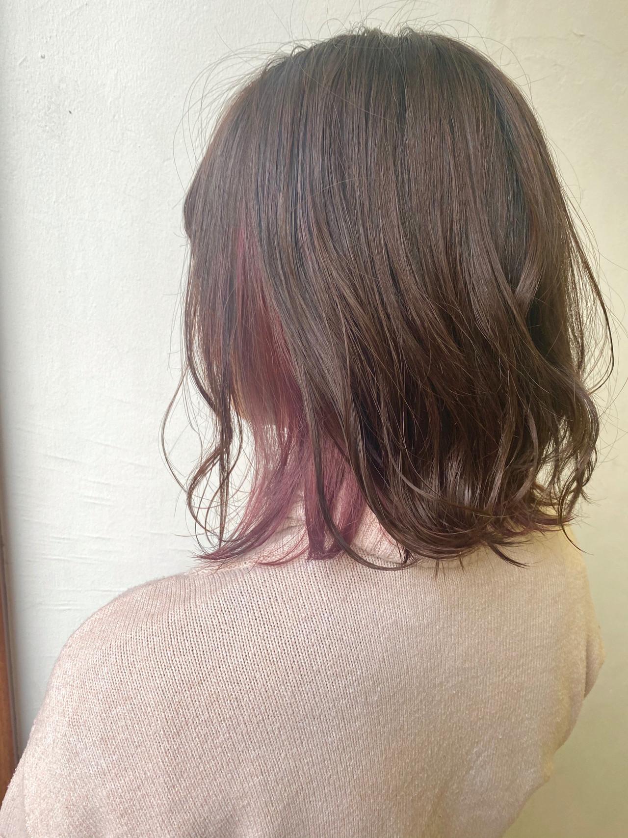 ミディアム 切りっぱなしボブ フェミニン インナーカラー ヘアスタイルや髪型の写真・画像 | 園城寺裕也 /  EARTH浦和店