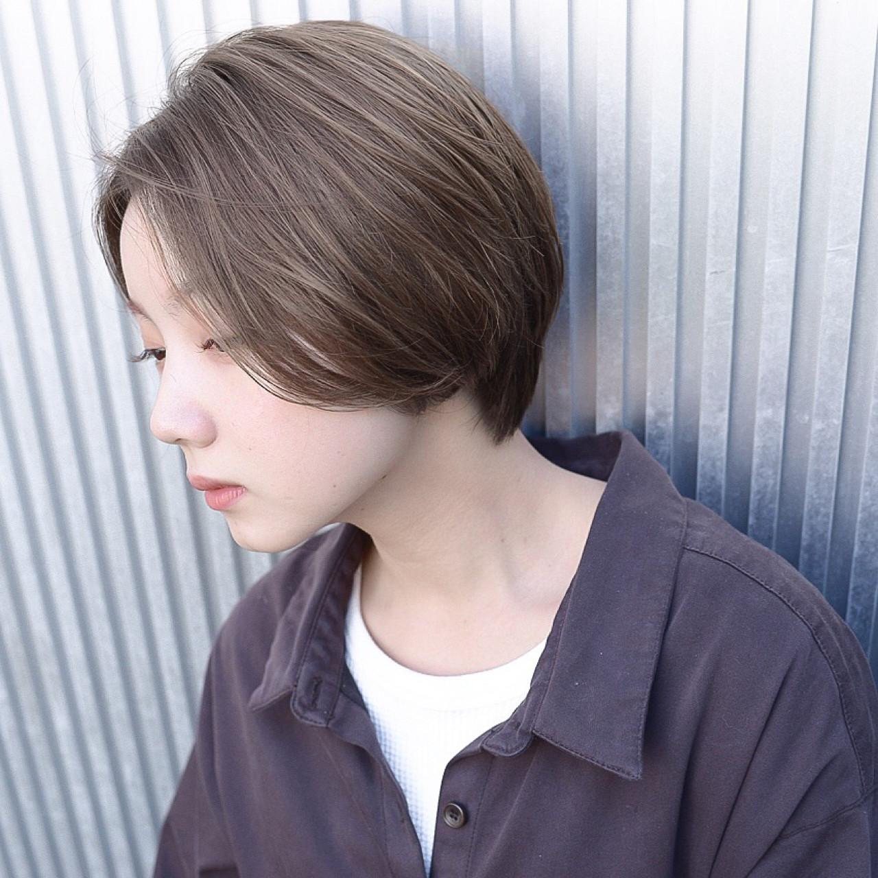 透明感 ナチュラル ショート アッシュ ヘアスタイルや髪型の写真・画像