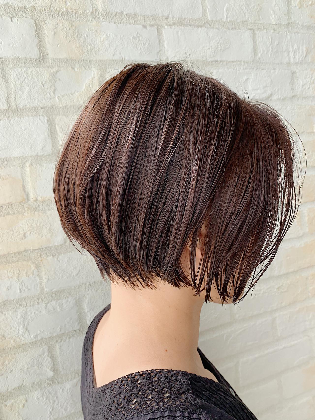 オフィス デート ショートヘア ナチュラル ヘアスタイルや髪型の写真・画像 | ショート ボブ/ 早田卓矢 / cocona hair maison+