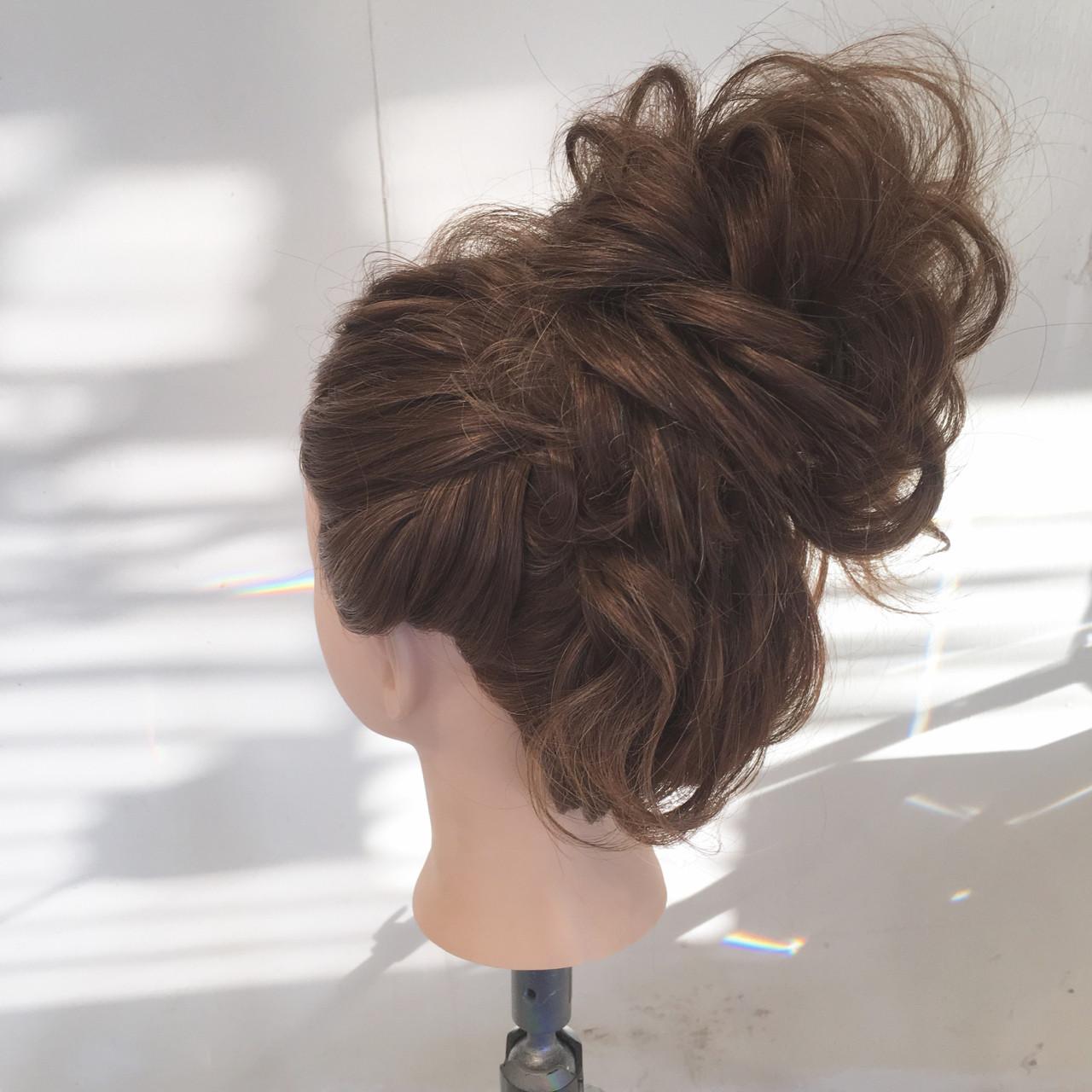 ヘアアレンジ ロング ナチュラル パーティ ヘアスタイルや髪型の写真・画像   平川 元気 / MAPUNA