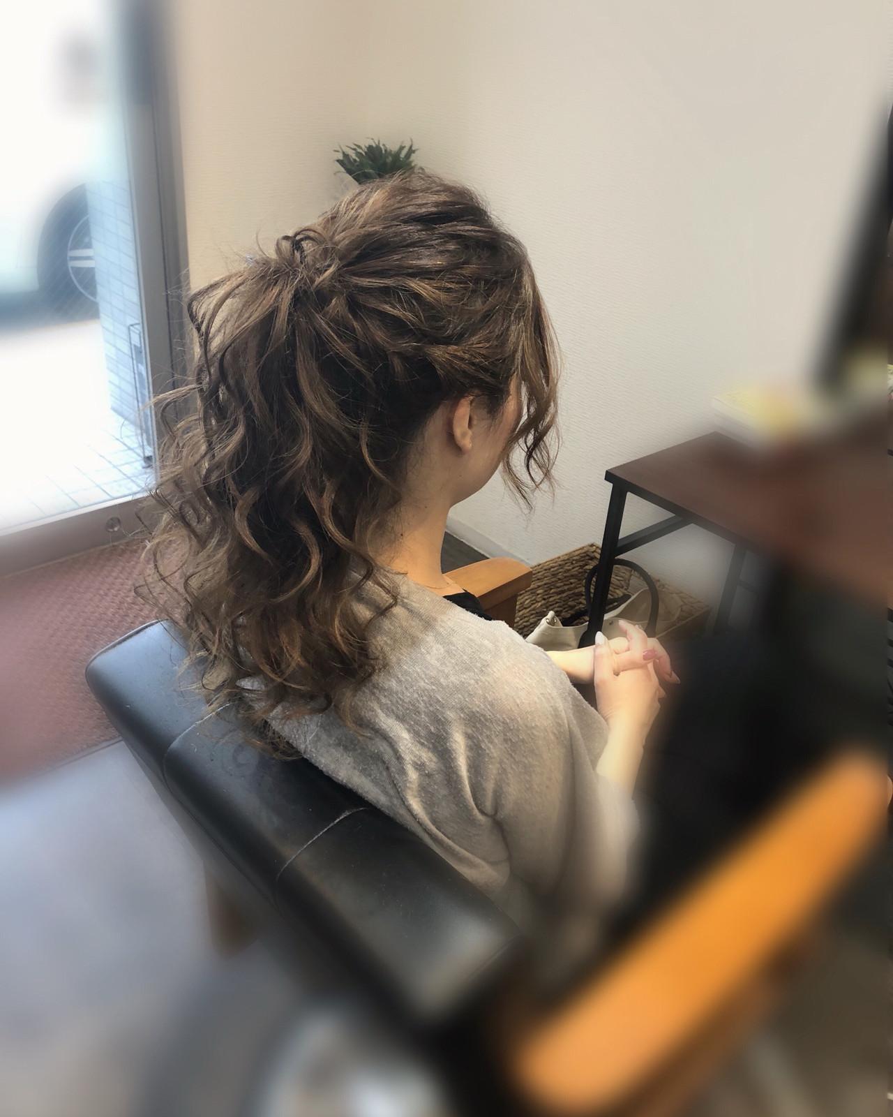 フェミニン セミロング ヘアセット ポニーテール ヘアスタイルや髪型の写真・画像
