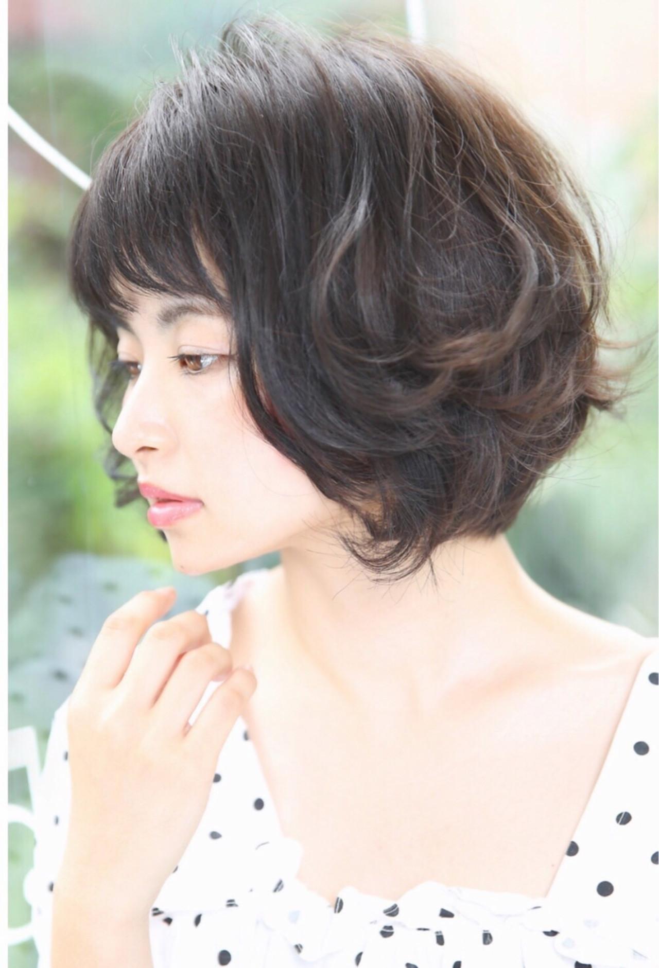 デート 暗髪 前髪パッツン ボブ ヘアスタイルや髪型の写真・画像