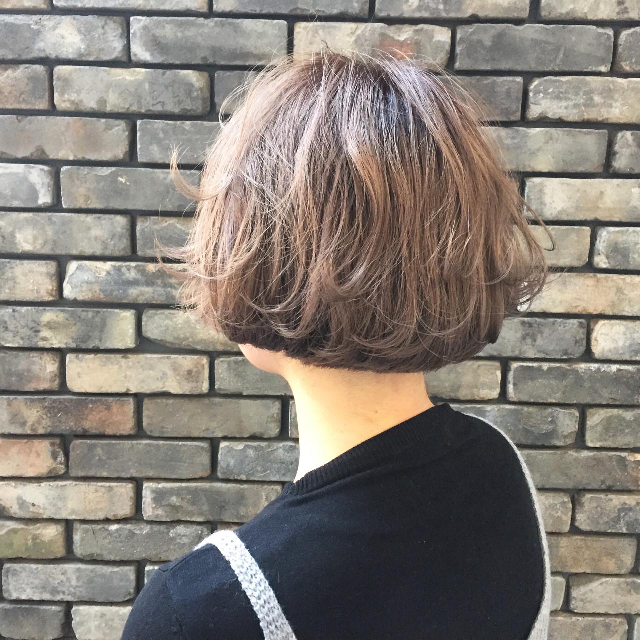 ボブ フェミニン アッシュ 外ハネ ヘアスタイルや髪型の写真・画像