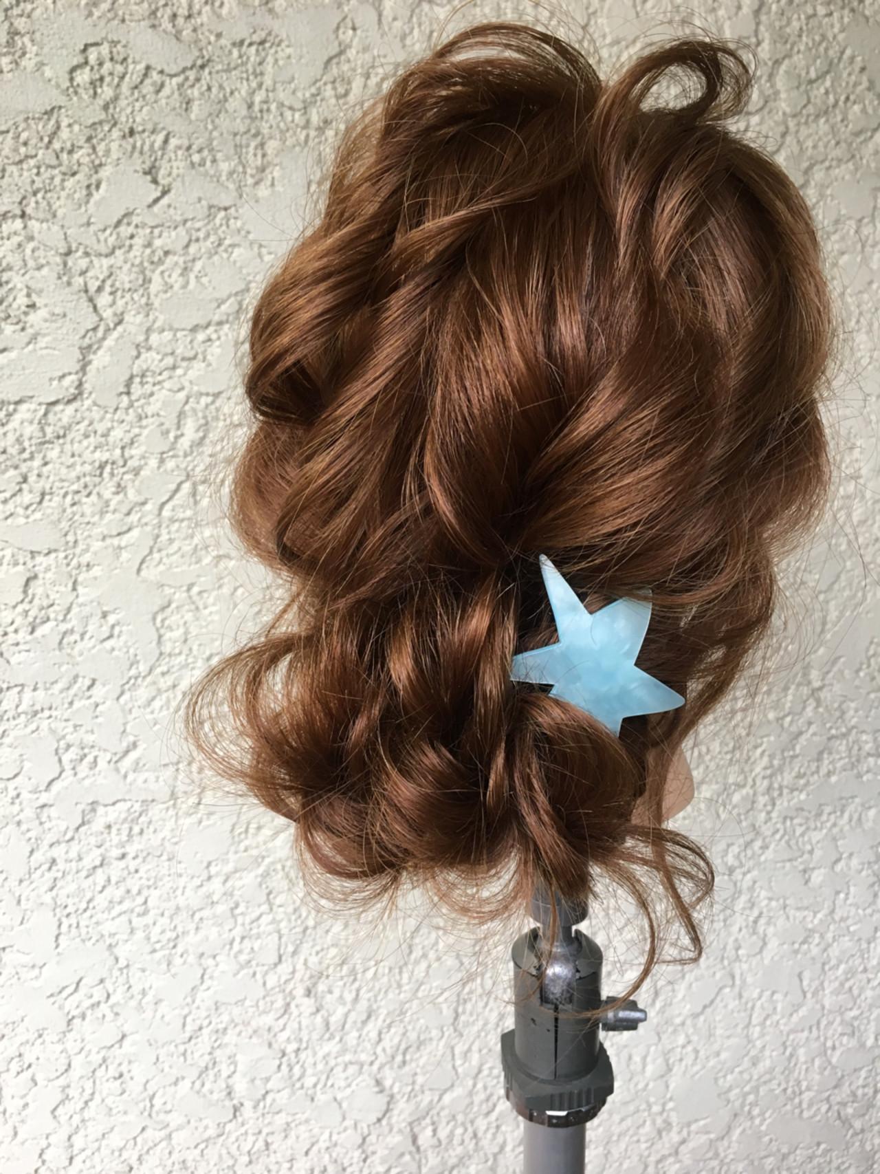 ゆるふわ パーティ ナチュラル シニヨン ヘアスタイルや髪型の写真・画像