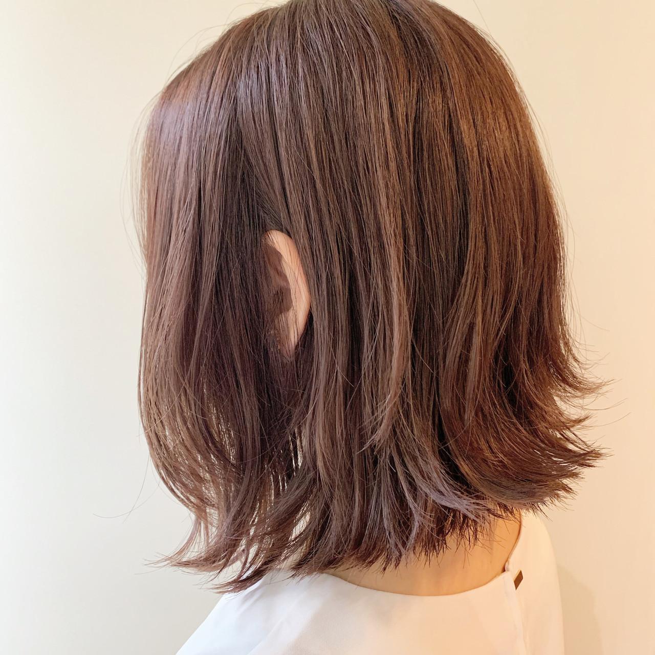 ピンクベージュ ナチュラル デート ボブ ヘアスタイルや髪型の写真・画像 | 谷川 健太 / ROVERSI