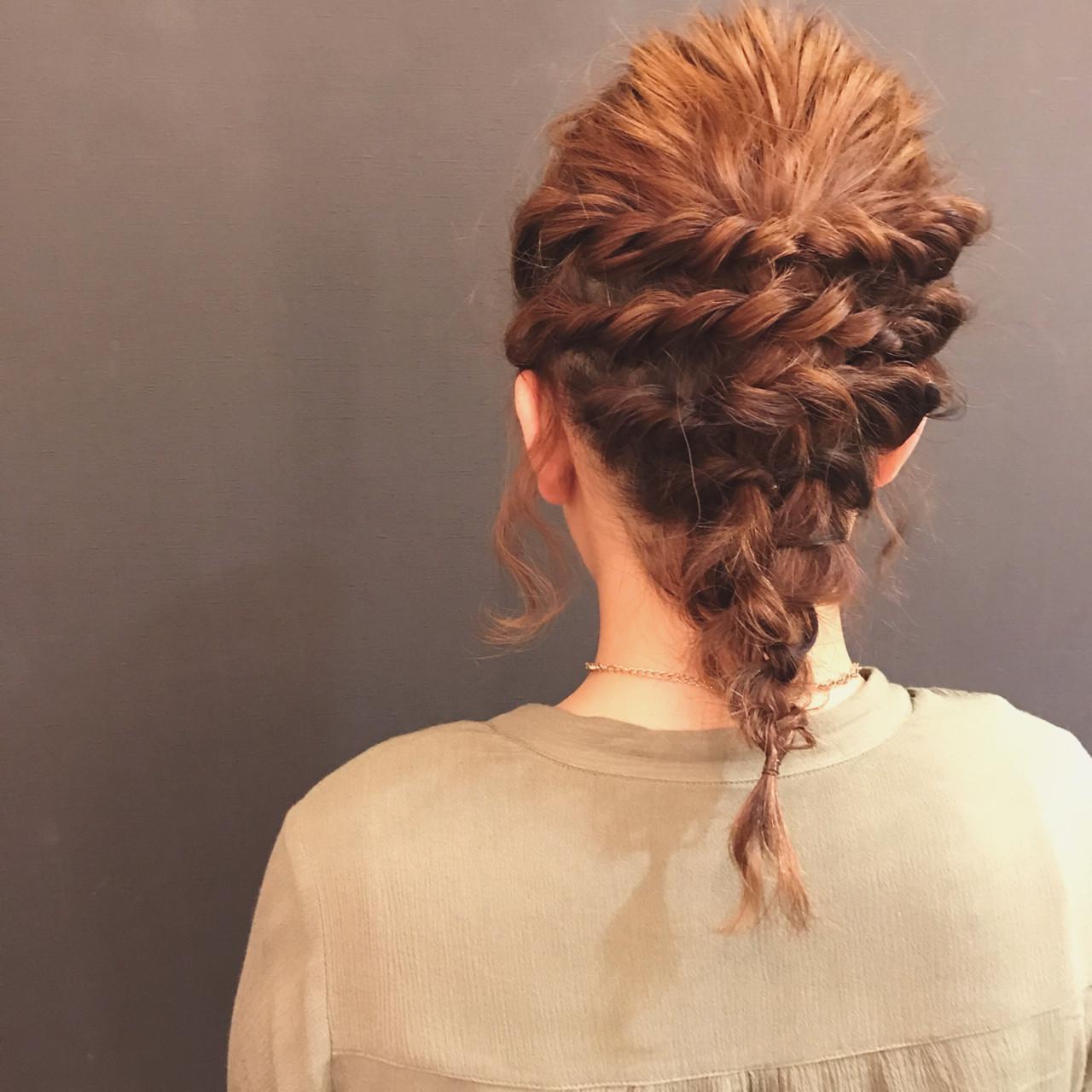 波ウェーブ ヘアアレンジ ミディアム ツイスト ヘアスタイルや髪型の写真・画像