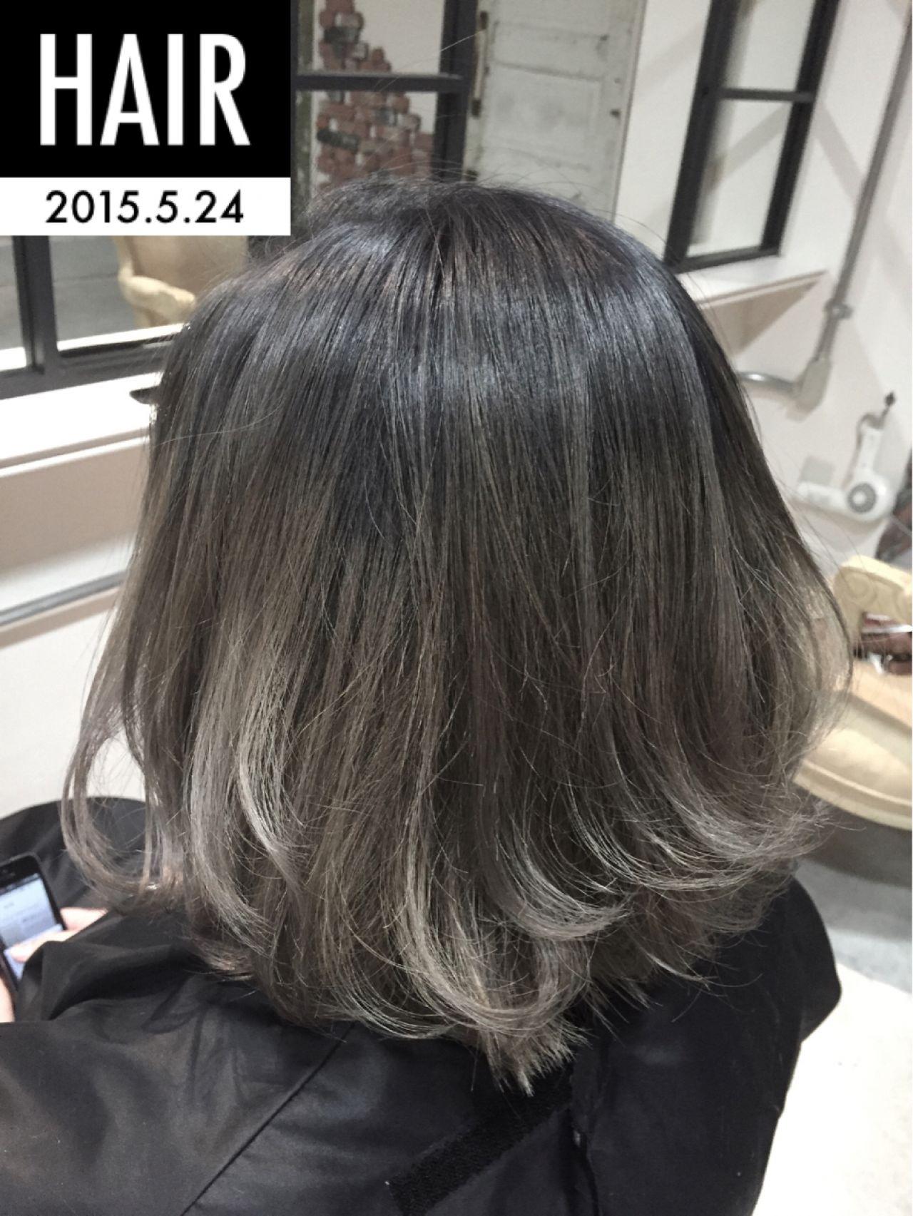 ボブ ゆるふわ グラデーションカラー グレー ヘアスタイルや髪型の写真・画像   Maya Sakai / R.rover by H