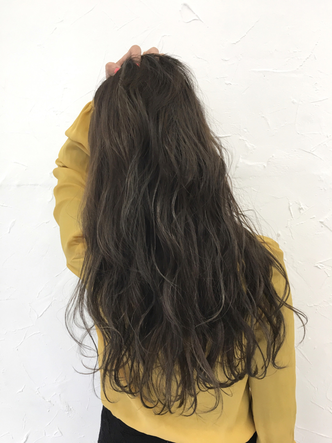 外国人風 ロング 上品 グレージュ ヘアスタイルや髪型の写真・画像