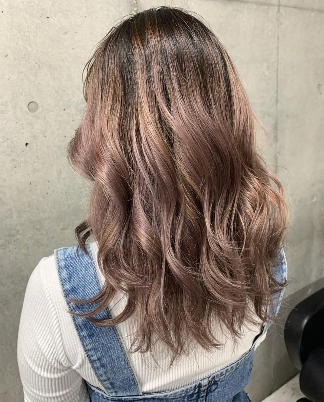 ピンクパープル バレイヤージュ ガーリー ミディアム ヘアスタイルや髪型の写真・画像