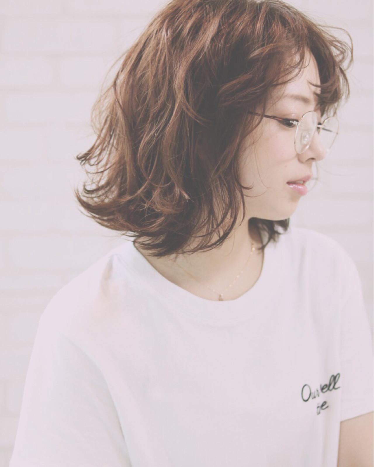 前髪あり ストリート ゆるふわ ワイドバング ヘアスタイルや髪型の写真・画像