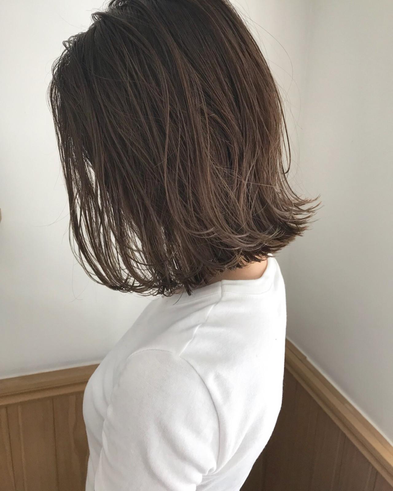 ナチュラル ロブ 切りっぱなし ハイライト ヘアスタイルや髪型の写真・画像