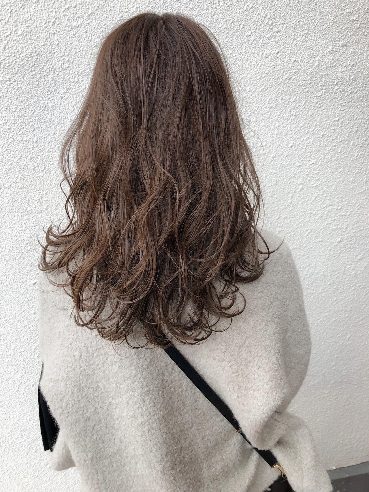 セミロング アンニュイほつれヘア 簡単ヘアアレンジ ベージュ ヘアスタイルや髪型の写真・画像 | 篠田 雅樹 / Ame briller 【アムブリエ】