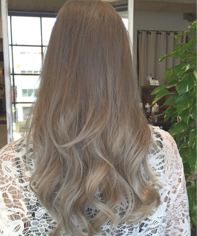 グラデーションカラー グレージュ 外国人風カラー ミルクティー ヘアスタイルや髪型の写真・画像