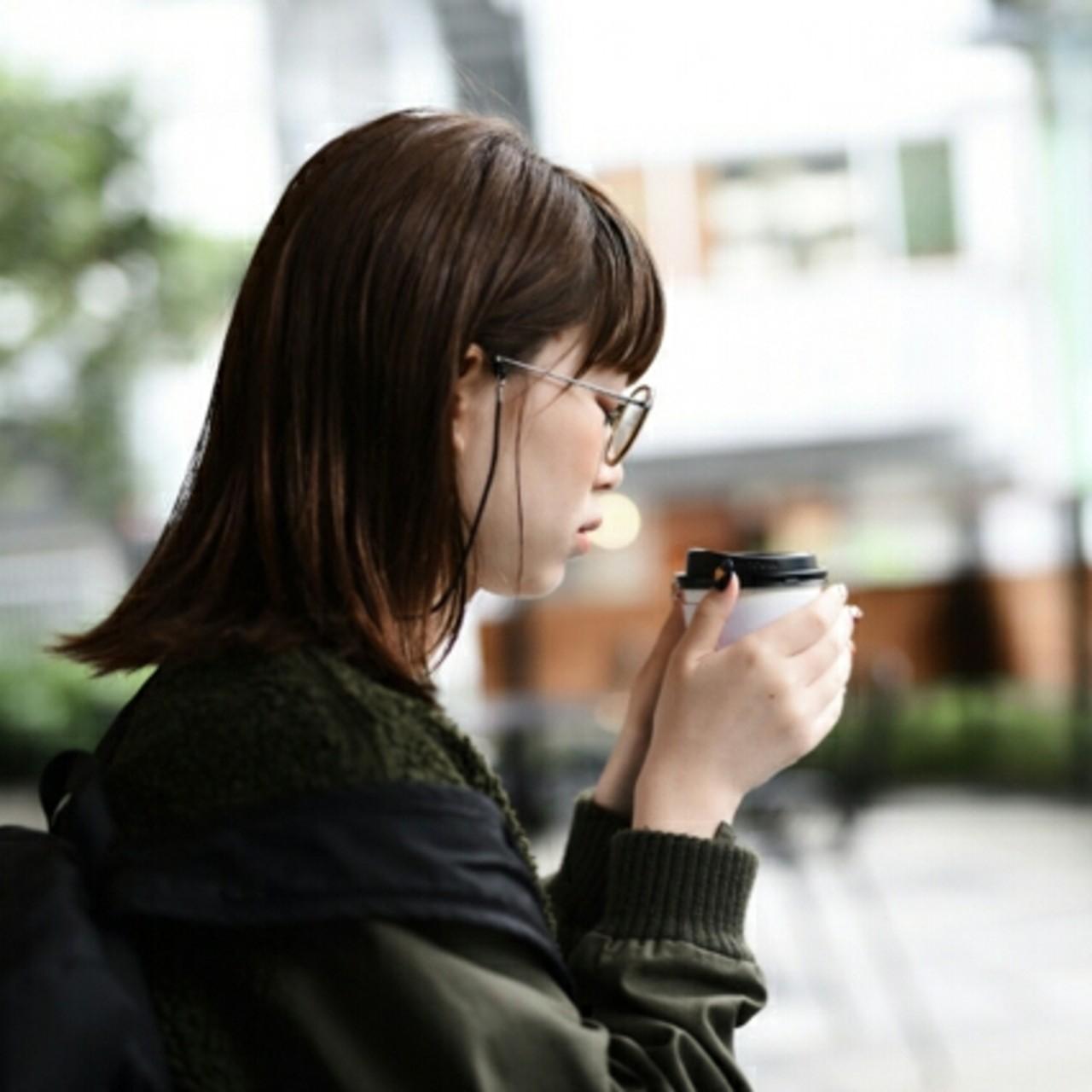 前髪あり アッシュ ナチュラル 透明感 ヘアスタイルや髪型の写真・画像