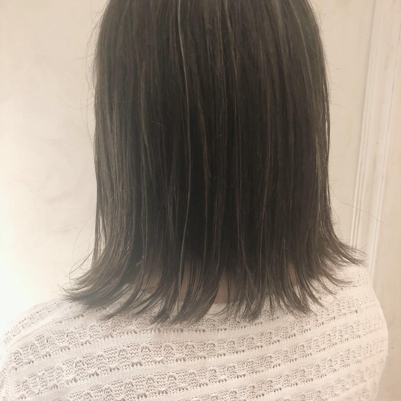 切りっぱなしボブ うぶ毛ハイライト ボブ 外ハネボブ ヘアスタイルや髪型の写真・画像