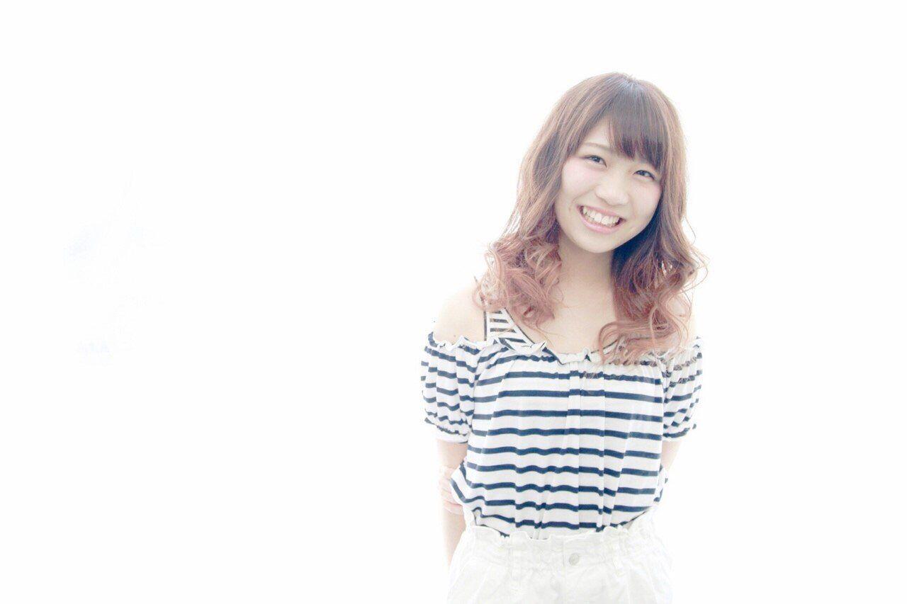 ピンク ゆるふわ 丸顔 グラデーションカラー ヘアスタイルや髪型の写真・画像 | 三浦 敏大 / Hair design LEON