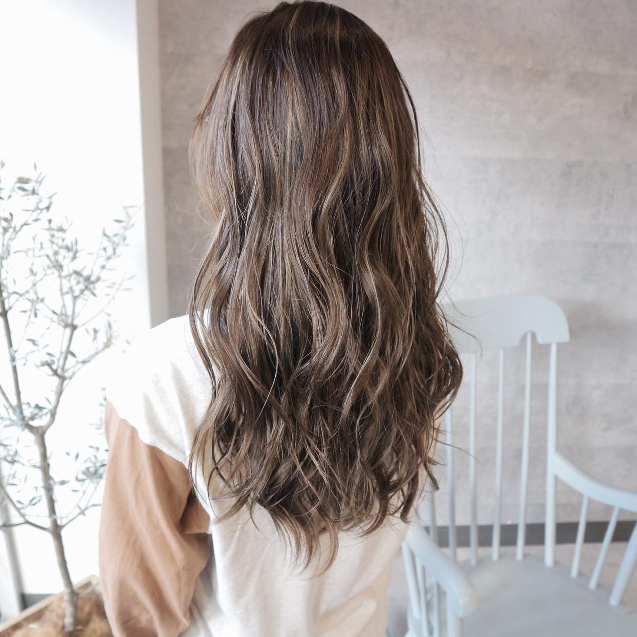 外国人風カラー ロング 外国人風 グレージュ ヘアスタイルや髪型の写真・画像