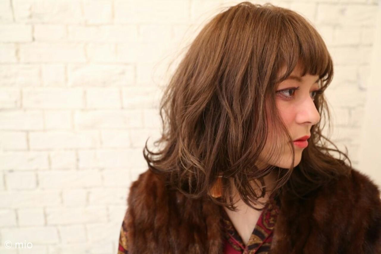 アッシュ 大人かわいい ナチュラル ラフ ヘアスタイルや髪型の写真・画像 | mio / GARAGE