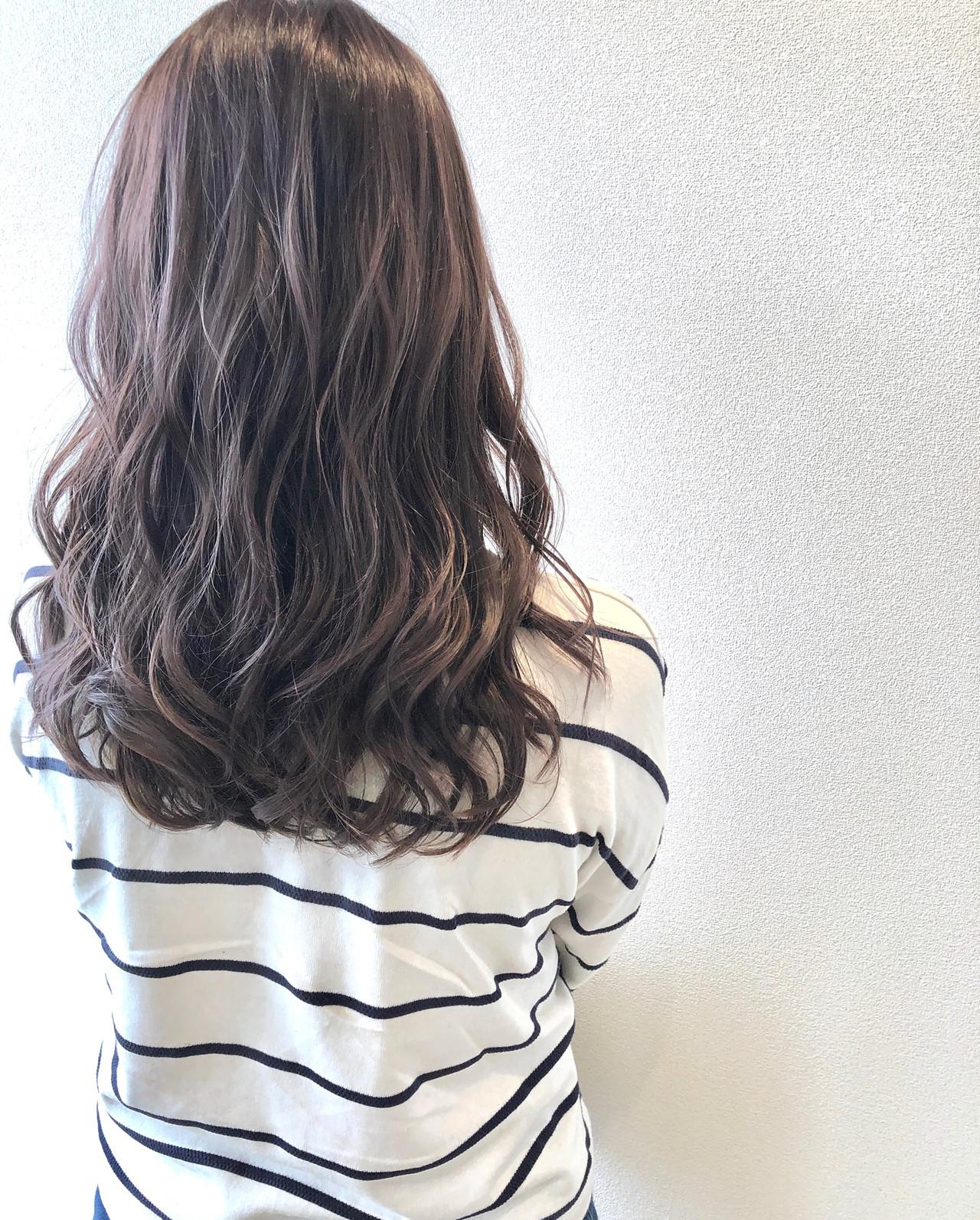 ラベンダーカラー ラベンダーグレージュ エレガント ロング ヘアスタイルや髪型の写真・画像