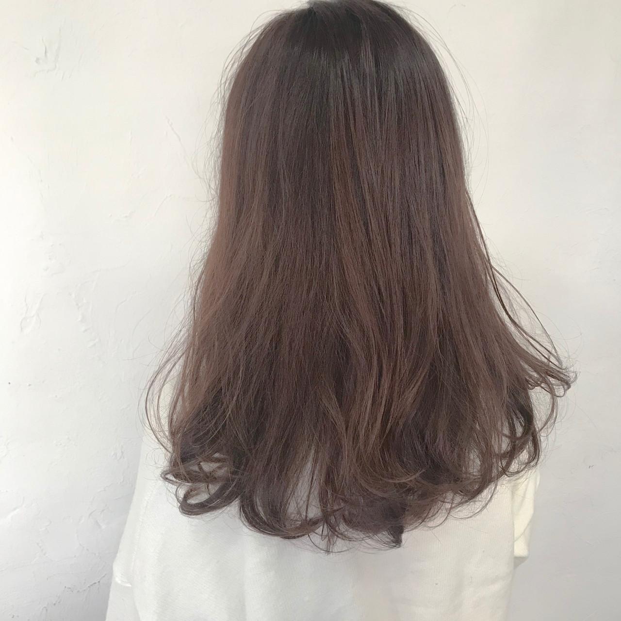 ミルクティーグレージュ ミルクティーベージュ ナチュラル デート ヘアスタイルや髪型の写真・画像