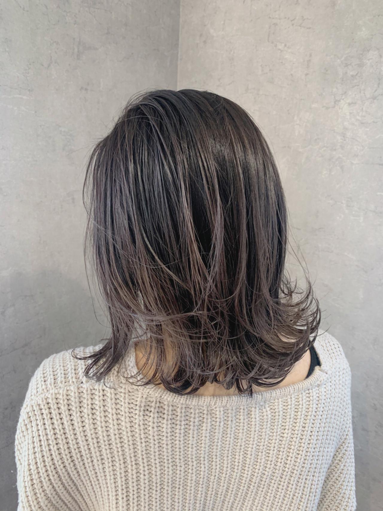 ミディアム 簡単スタイリング ナチュラル ダークアッシュ ヘアスタイルや髪型の写真・画像