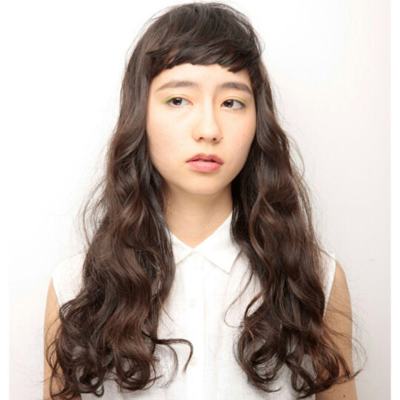 ストリート 黒髪 オン眉 ロング ヘアスタイルや髪型の写真・画像