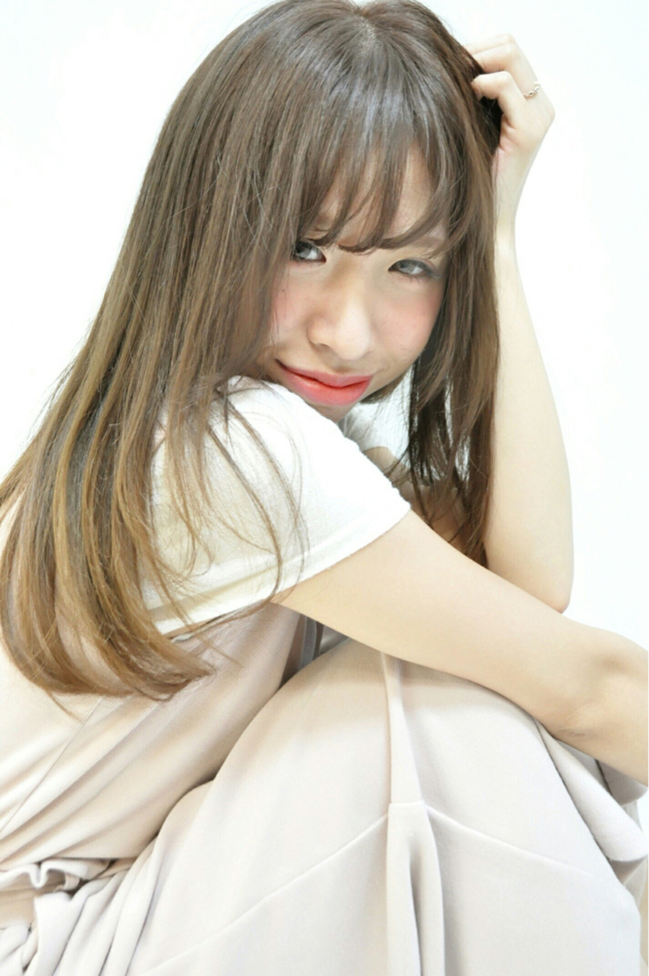 前髪あり ナチュラル セミロング シースルーバング ヘアスタイルや髪型の写真・画像   sara /
