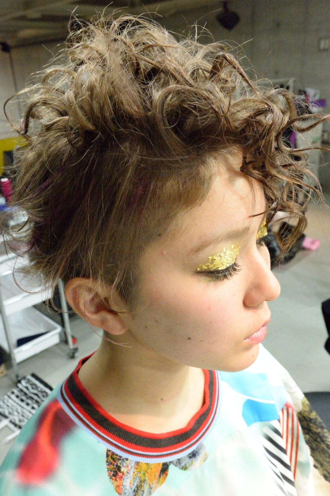ツーブロック 外国人風 アッシュグレージュ アッシュ ヘアスタイルや髪型の写真・画像   常盤 大地 ウミトス / ウミトス表参道