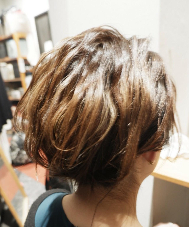 モード ウルフカット ハンサム 波ウェーブ ヘアスタイルや髪型の写真・画像