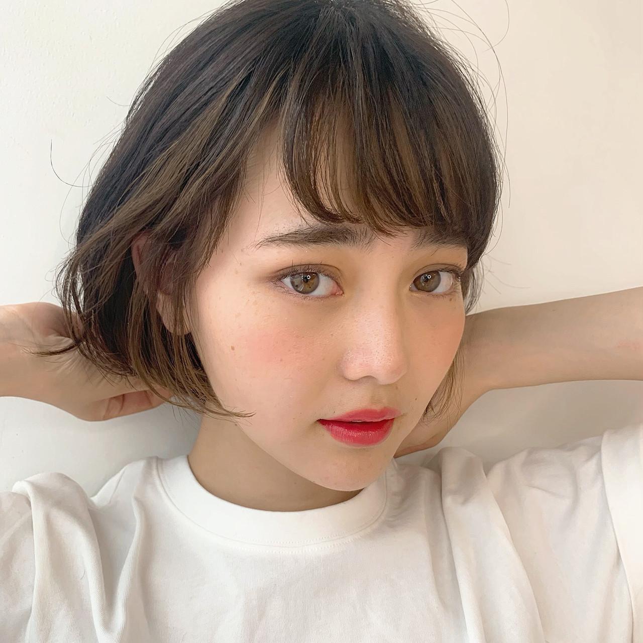 耳かけ ガーリー ショート インナーカラー ヘアスタイルや髪型の写真・画像 | LIPPS銀座 安田愛佳 / LIPPS 銀座