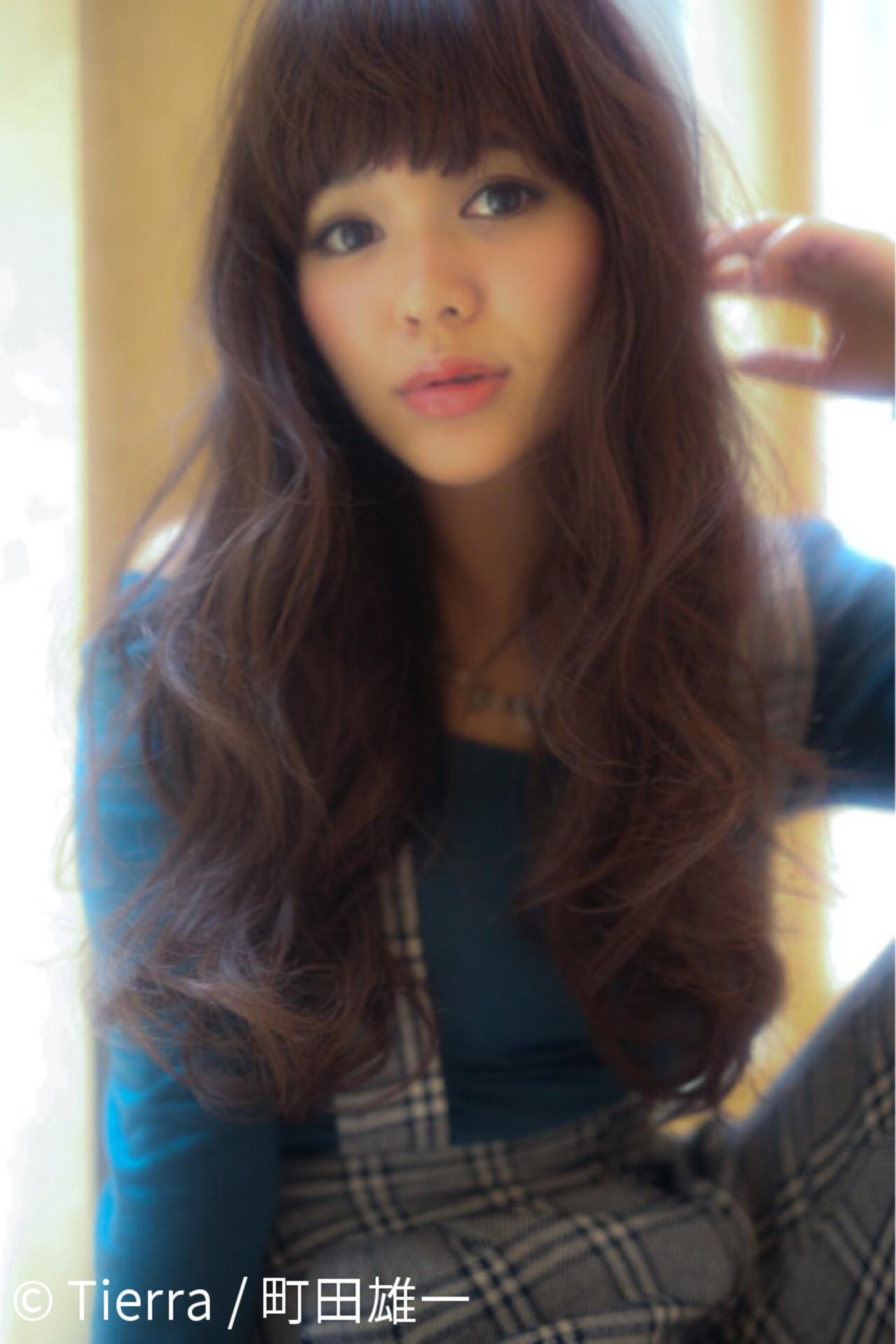 ロング ベージュ シースルーバング エアリー ヘアスタイルや髪型の写真・画像   Tierra / 町田雄一 / Tierra harajuku