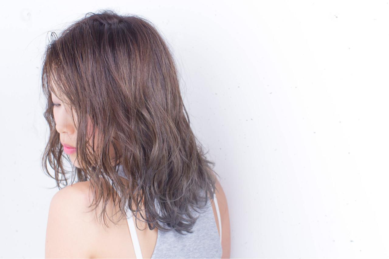 ハイライト 暗髪 ストリート ヘアアレンジ ヘアスタイルや髪型の写真・画像