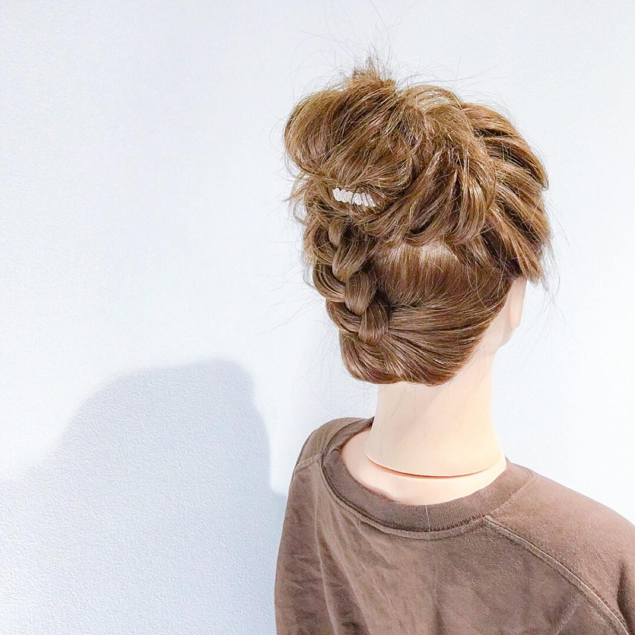 デート ヘアアレンジ セミロング アウトドア ヘアスタイルや髪型の写真・画像