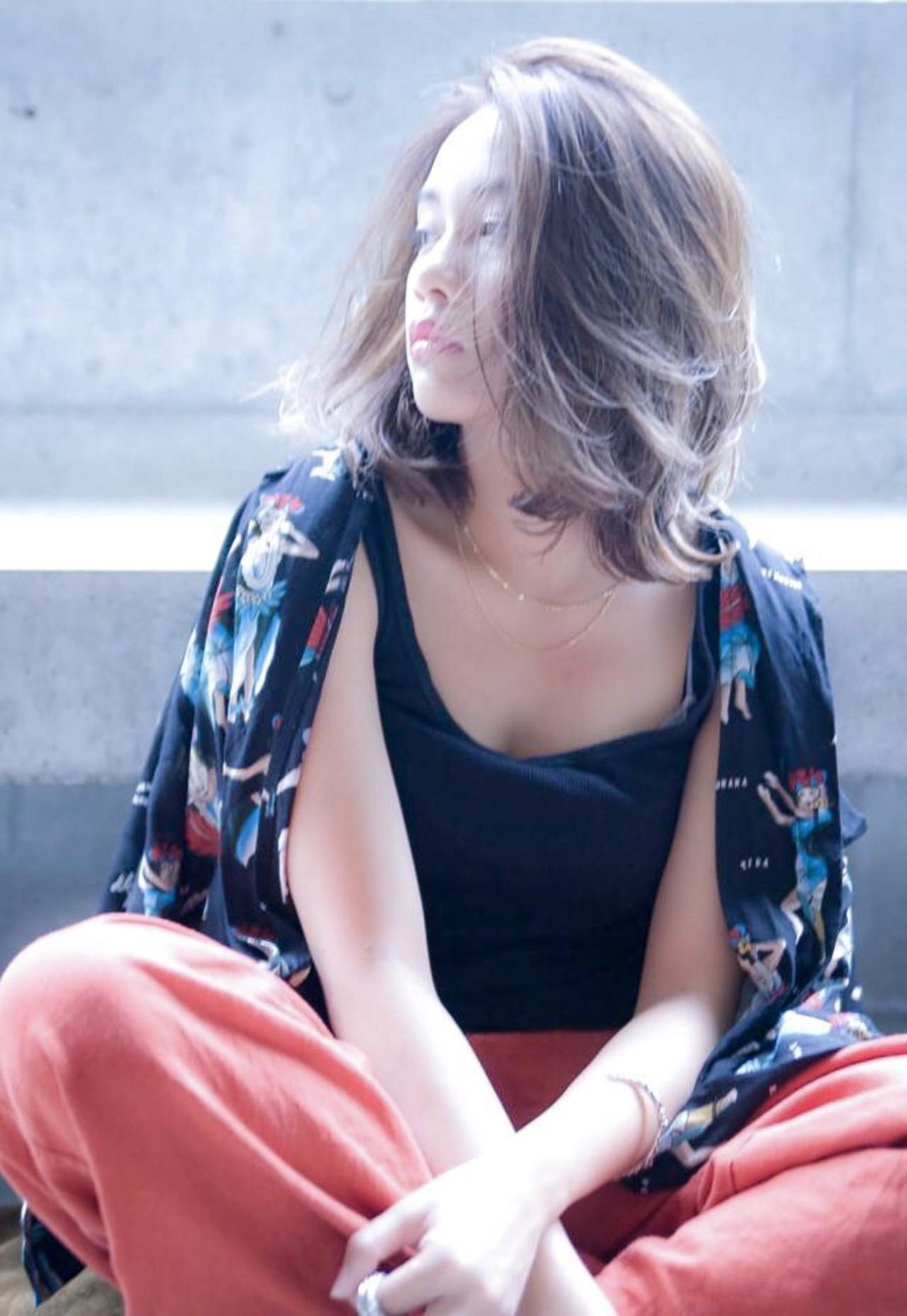 イルミナカラー 外国人風カラー ハイライト ミディアム ヘアスタイルや髪型の写真・画像 | 可愛いにはコツがある!ナチュラルizumi / Siena