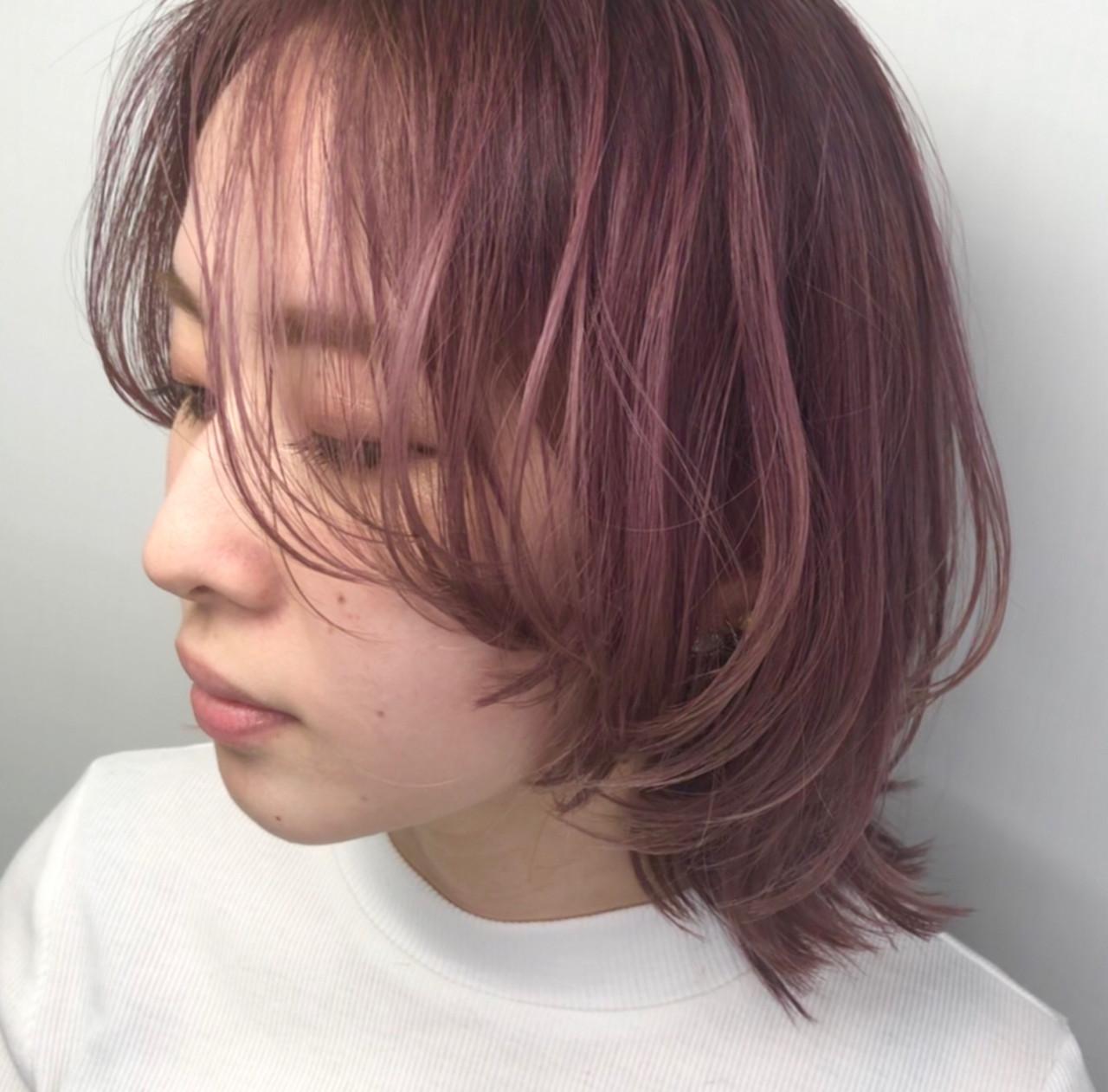 ミディアム ピンクアッシュ ラベンダーピンク ダブルカラー ヘアスタイルや髪型の写真・画像