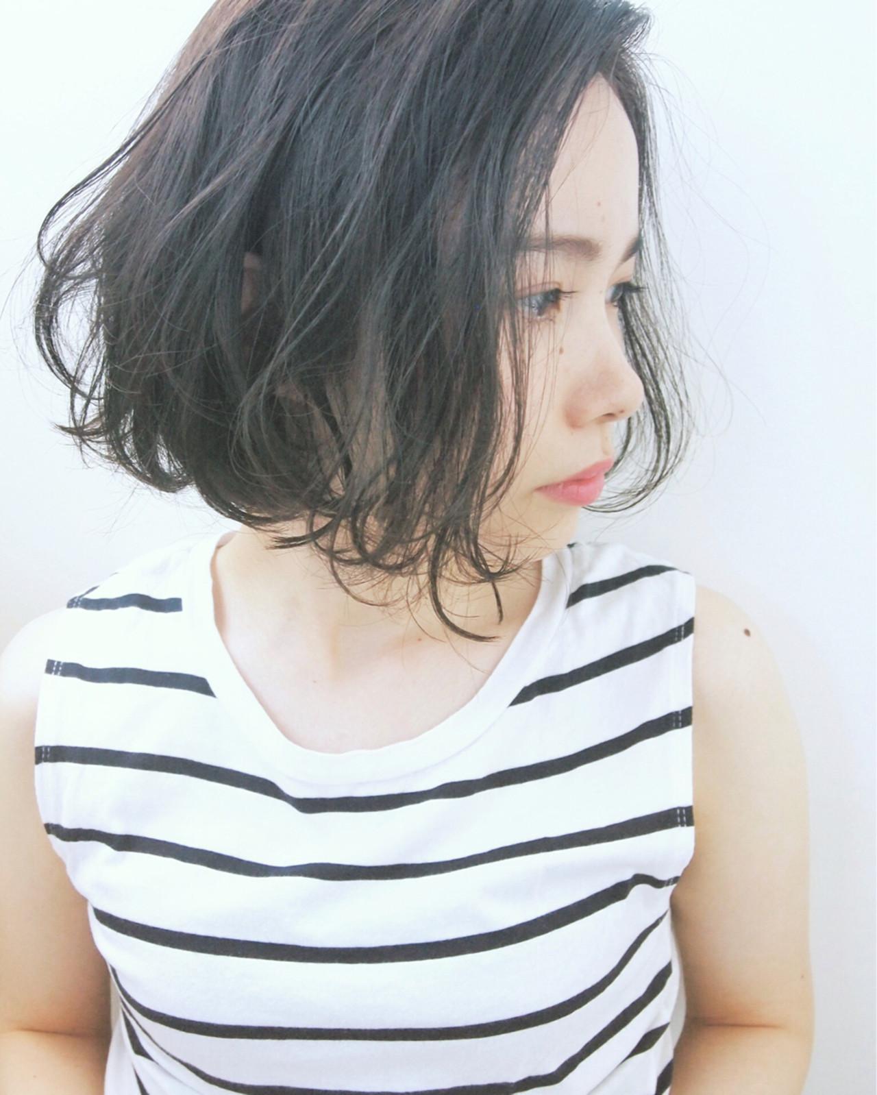 暗髪 パーマ ボブ 大人かわいい ヘアスタイルや髪型の写真・画像