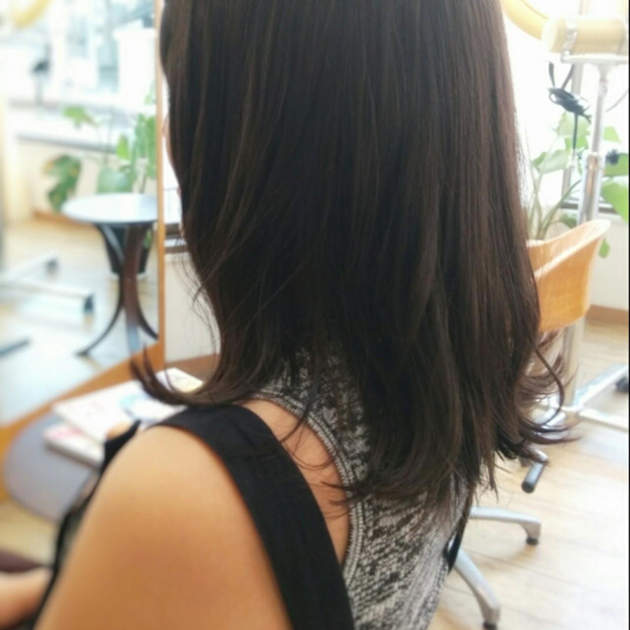 ミディアム 暗髪 ストリート くせ毛風 ヘアスタイルや髪型の写真・画像
