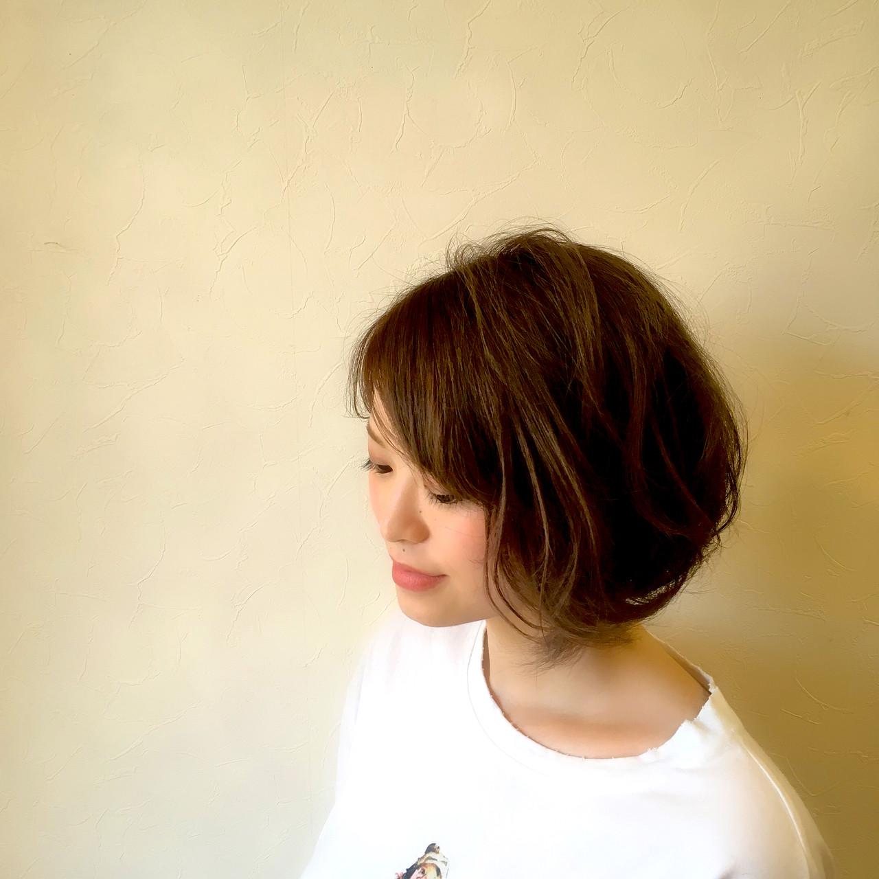 アンニュイほつれヘア ショートボブ ショート オフィス ヘアスタイルや髪型の写真・画像