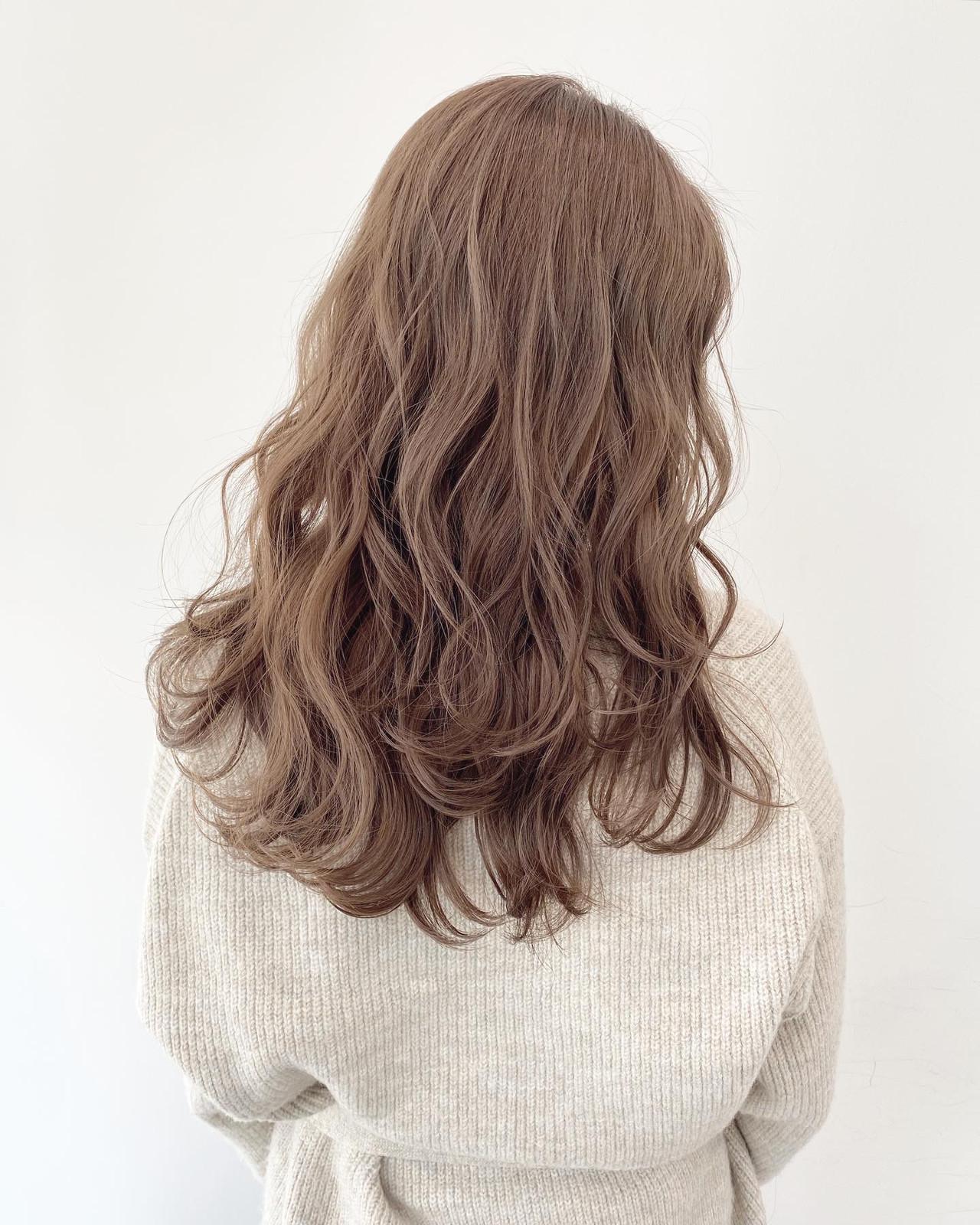 ダブルカラー ミルクティーベージュ ナチュラル ベージュ ヘアスタイルや髪型の写真・画像 | 若山 葵 ALIVE kichijoji / ALIVE 吉祥寺