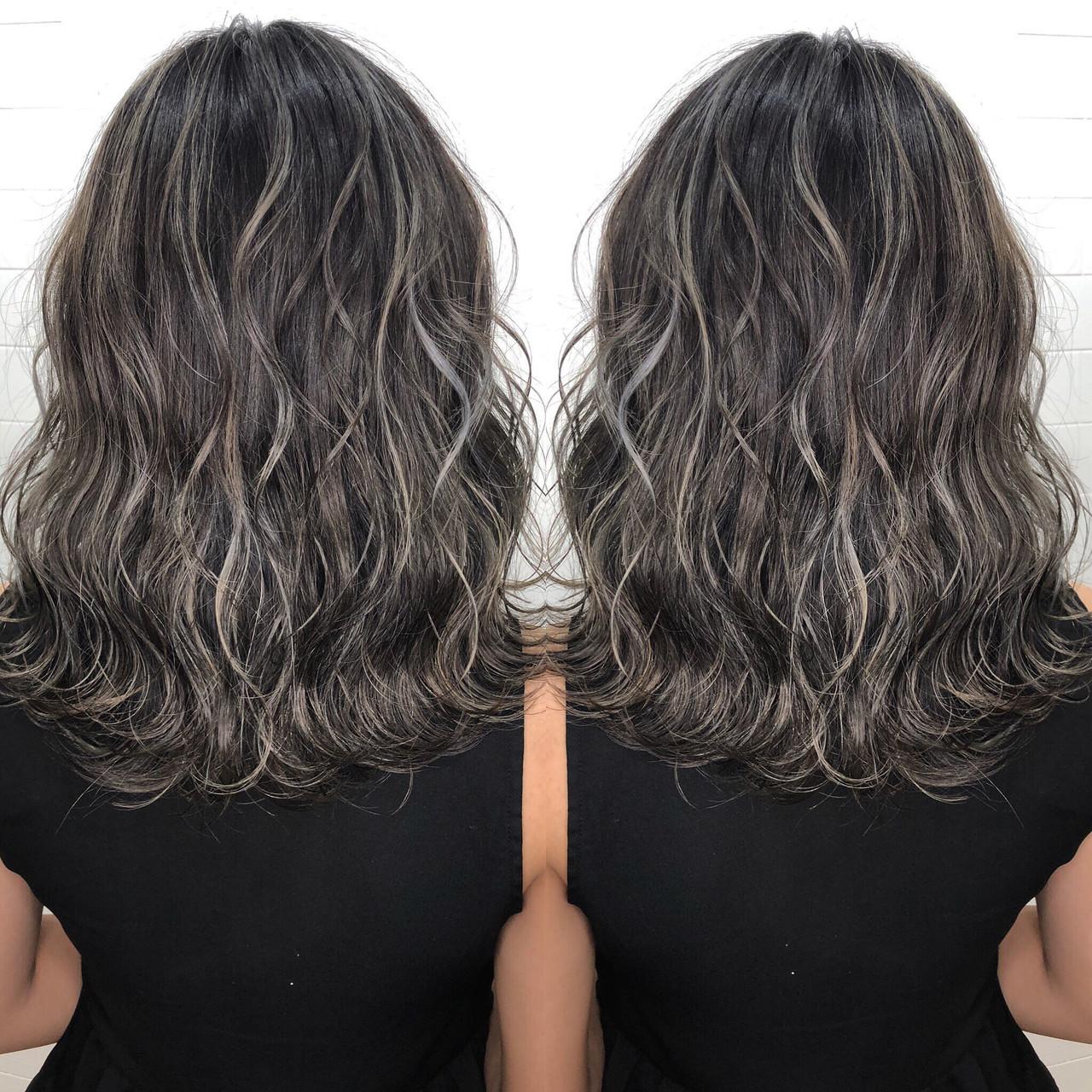 グラデーションカラー ハイライト ミディアム 外国人風カラー ヘアスタイルや髪型の写真・画像 | 岩原 基典 / 心斎橋 laurel