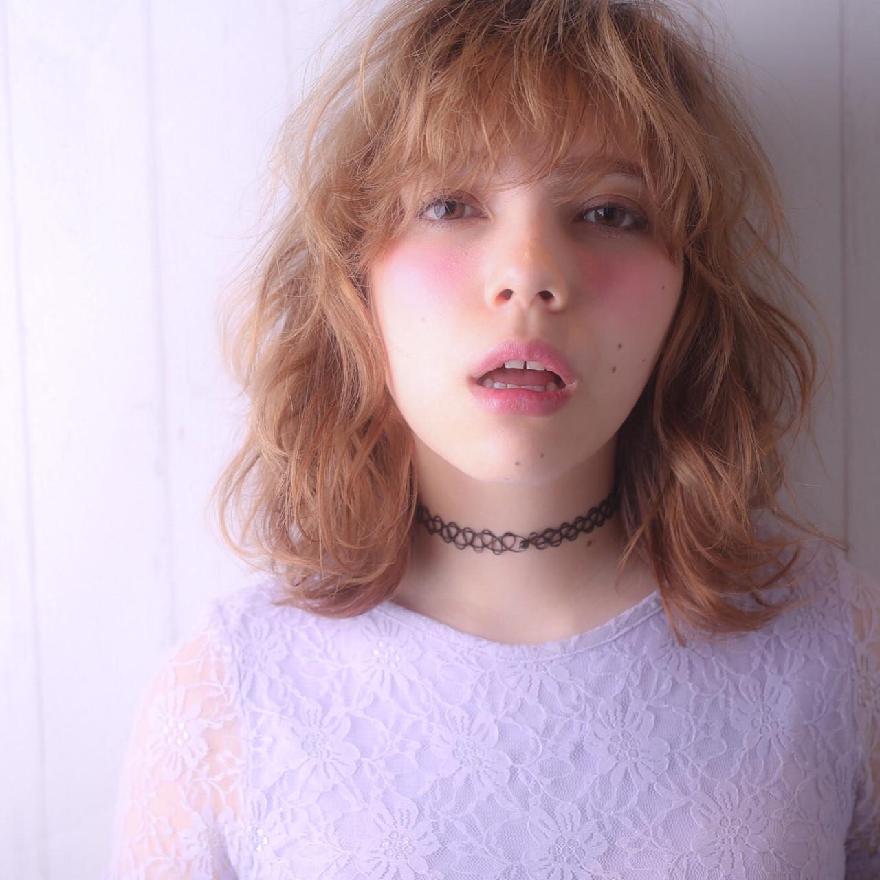 前髪あり 外国人風 パーマ ミディアム ヘアスタイルや髪型の写真・画像   Tierra / 町田雄一 / Tierra harajuku