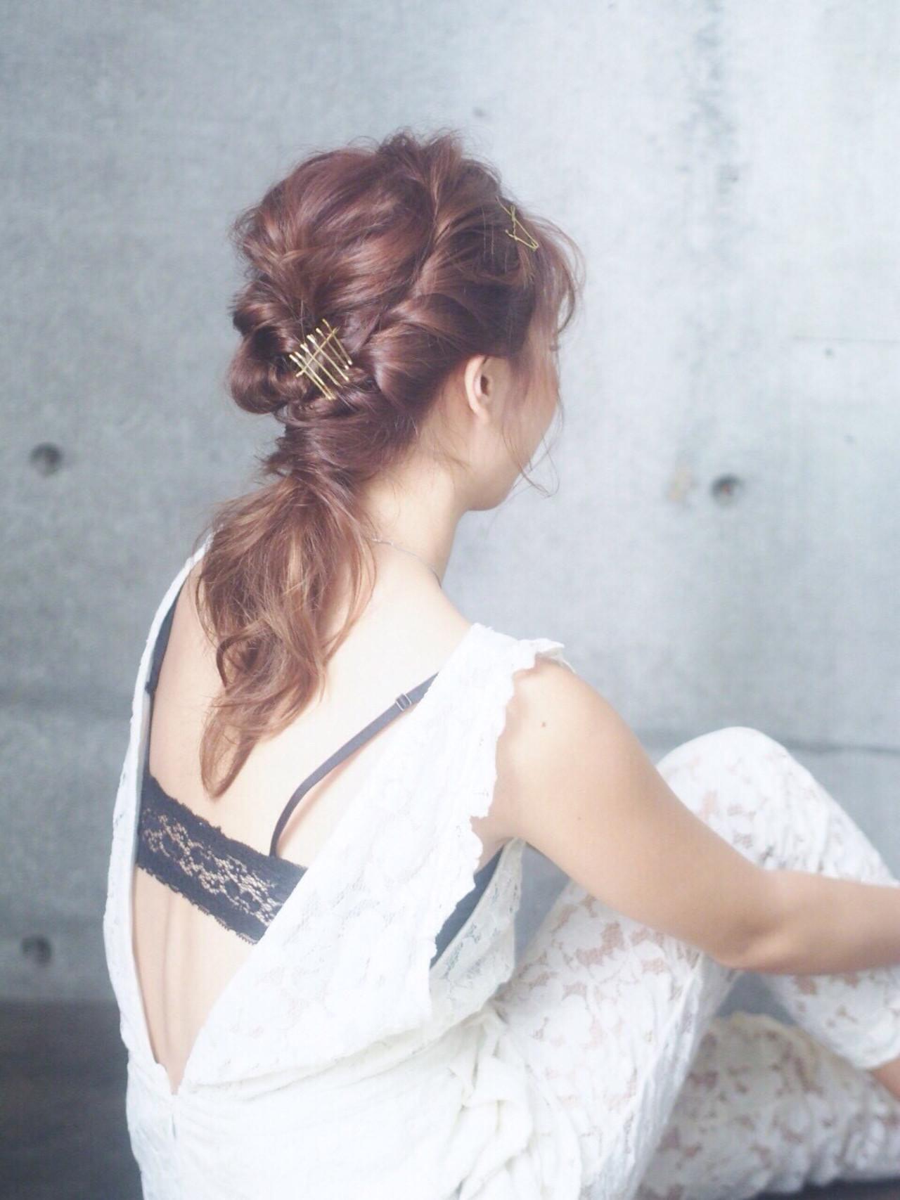 ヘアアレンジ くるりんぱ 編み込み ミディアム ヘアスタイルや髪型の写真・画像