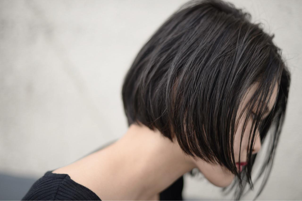 ショートボブ 切りっぱなし 大人女子 ストリート ヘアスタイルや髪型の写真・画像 | 根岸和也 / studio menos